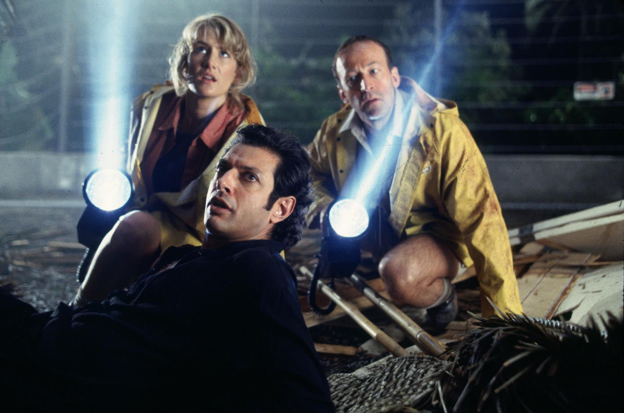 still-of-jeff-goldblum-and-laura-dern-in-jurassic-park-(1993)-large-picture